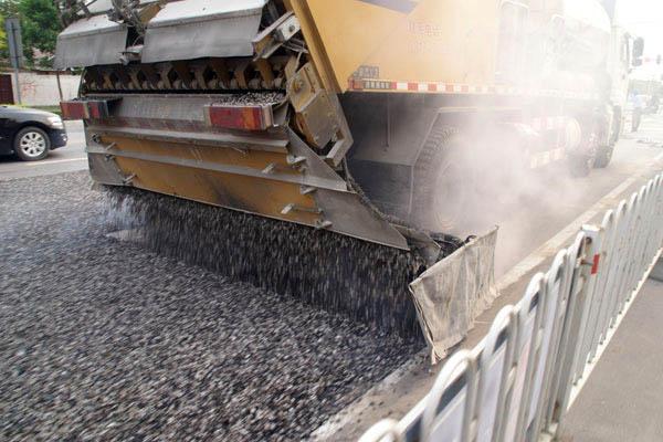 江西大林工程材料公司_吉安井冈山北大道改造橡胶沥青应力吸收层